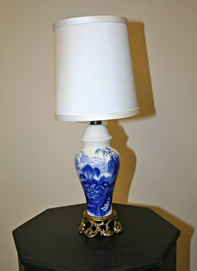 Vintage Blue White Porcelain Lamp Made In England C 1920