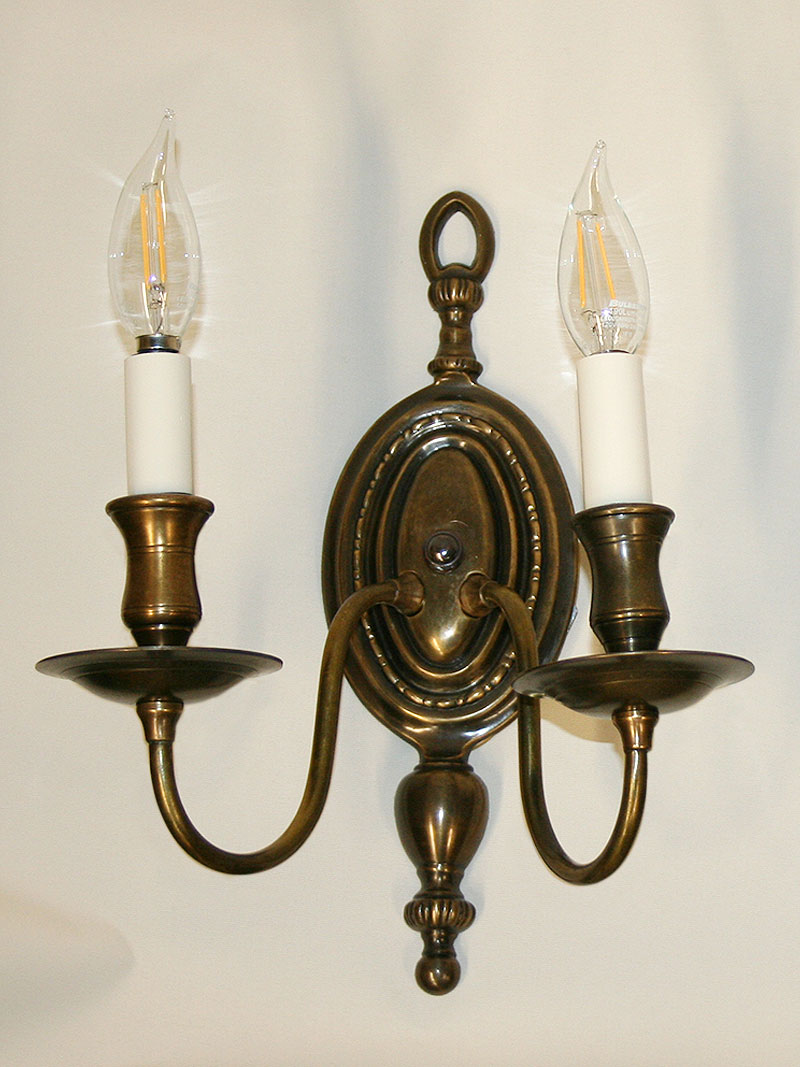 super cute c2607 affaa Pair of 2 Lt Ant Brass Colonial Style Wall Sconces, c. 1950